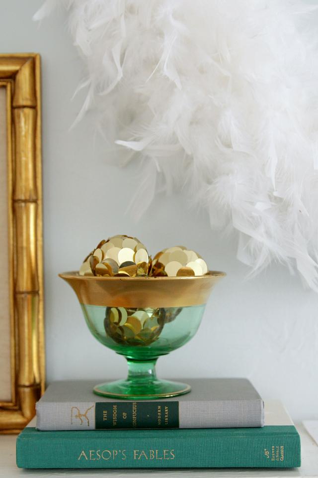 Emerald and gold Christmas mantel 01