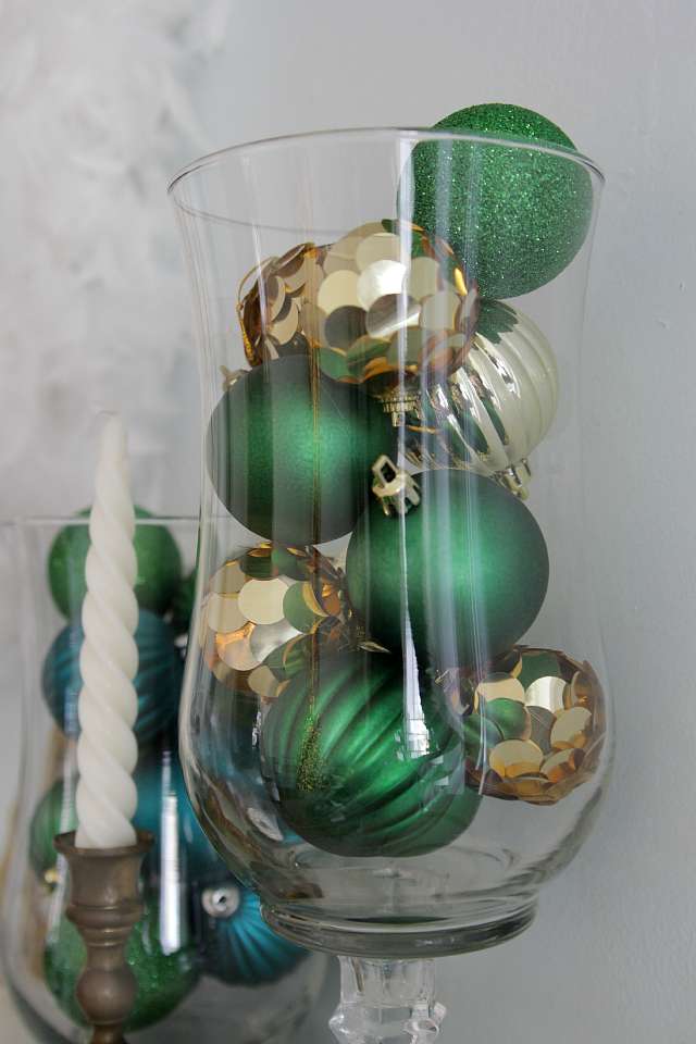 Emerald and gold Christmas mantel 06