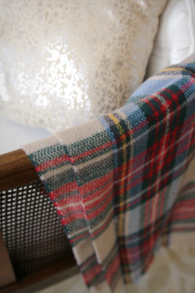 Plaid Christmas decor 02