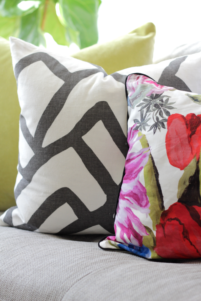 Throw pillow combination | Decor Fix