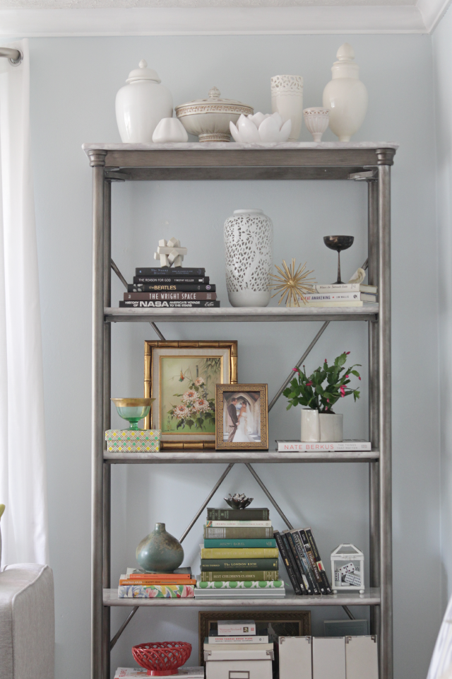 Bookshelf styling | Decor Fix