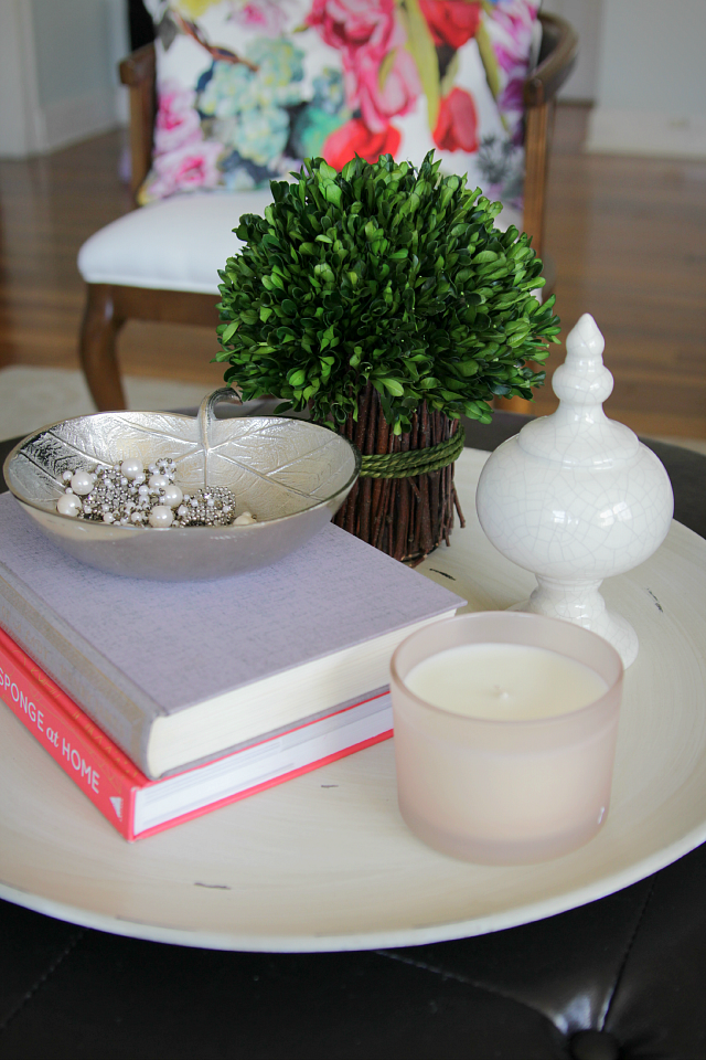 How To Style A Round Coffee Table : coffee plates decor - pezcame.com