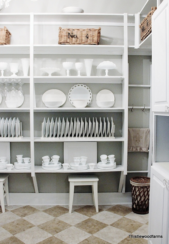 "Decor ""Quick Fix"": Decorate with white dishes"