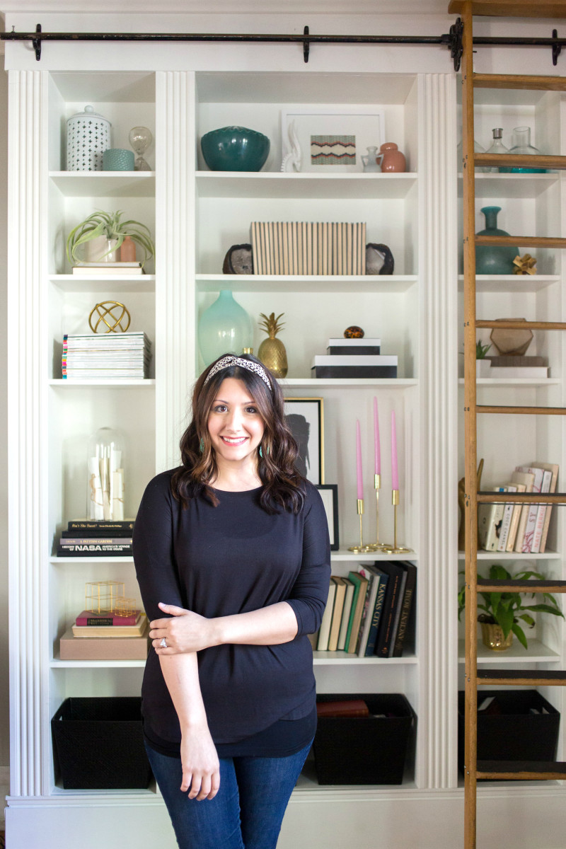 The Bookshelf Styling Class with Heather Freeman (Learn how to style a bookshelf using a designer's tried-and-true method!)
