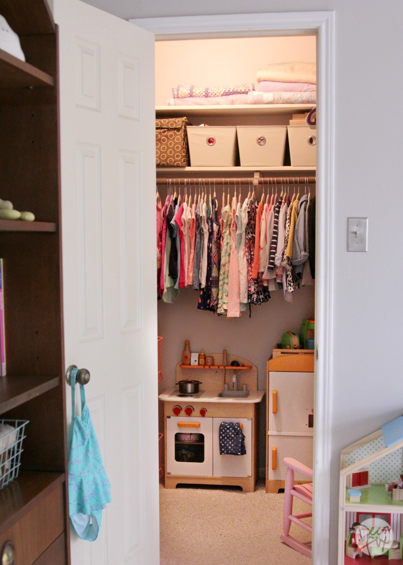 """Moving back to my childhood home...the """"before"""" pics.   The Decor Fix"""